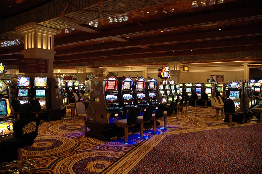 Casin Slots Floor at Caesars Windsor